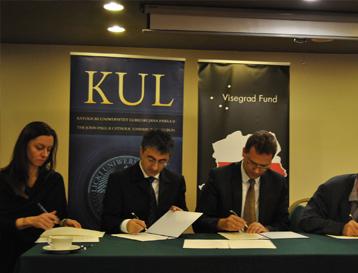 """კონფერენცია თემაზე """"ცენტრალური და აღმოსავლეთ ევროპის ქვეყნების საგადასახადო სისტემის გამოცდილება და პრობლემები ევროპულ საგადასახადო სისტემასთან მორგების კონტექსტში"""""""