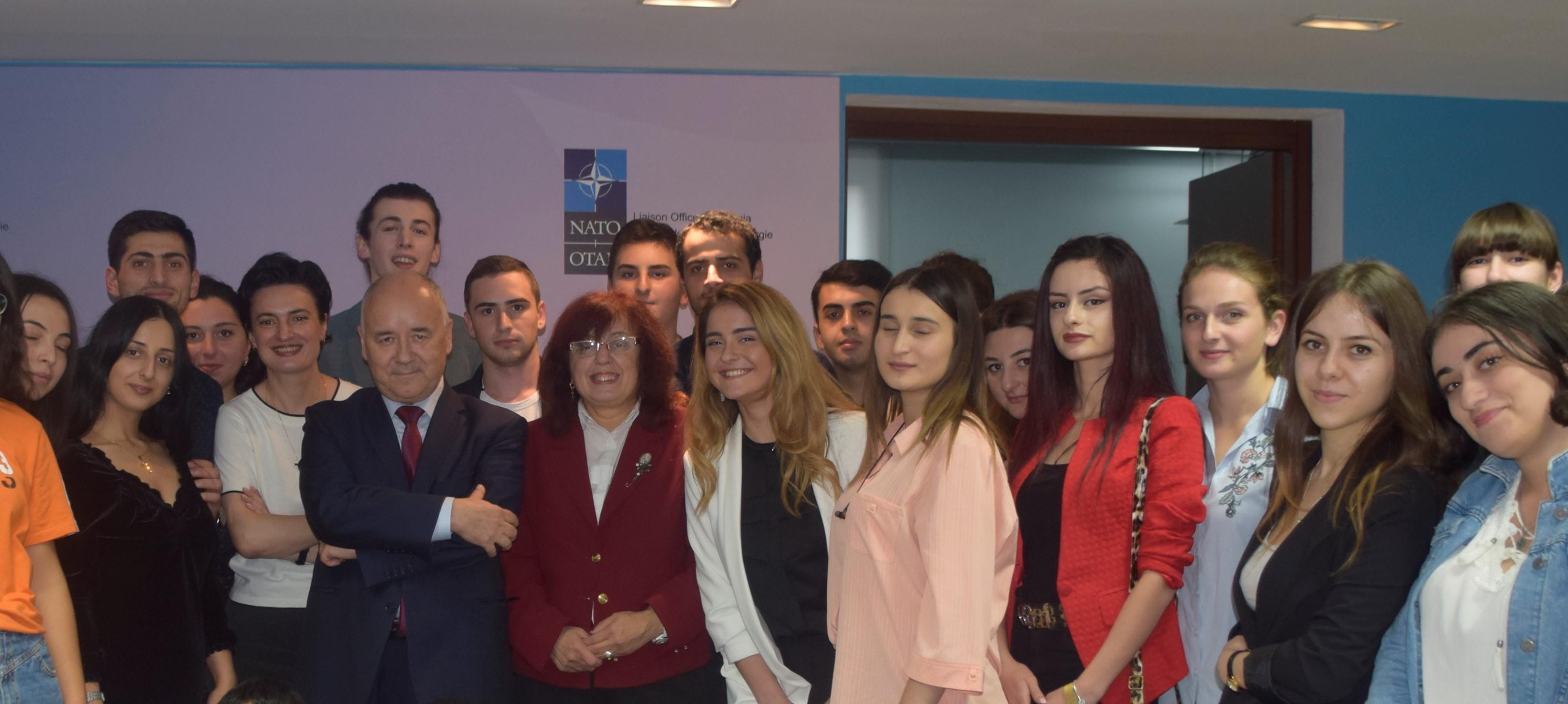 საბაუნის სტუდენტების ვიზიტი NATO სამეკავშირეო ოფისსში